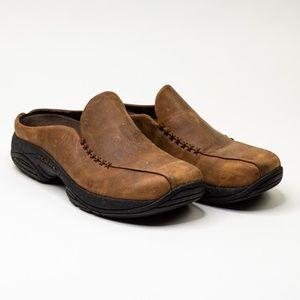 Merrell Primo Seam Leather Slip On.            D7